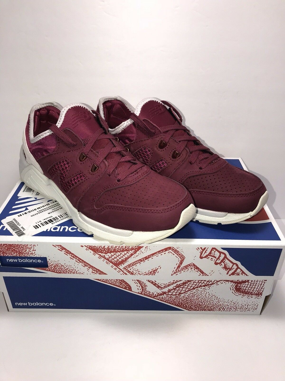 New Balance 009 Mens Size 7 Street Couture Collection Burgundy Athletic shoes