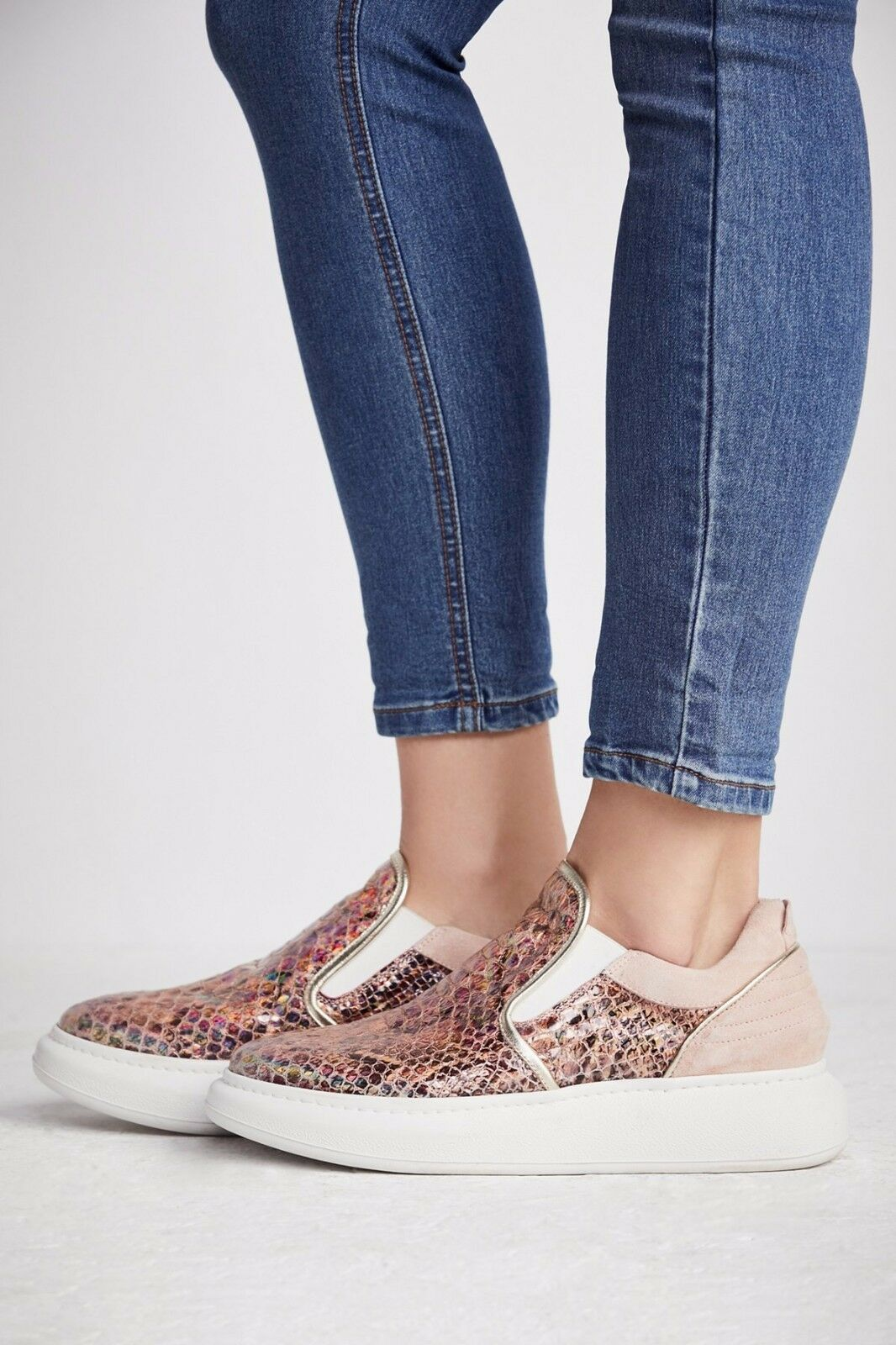FREE PEOPLE SHOES NOVA METALLIC SNEAKER NEW 8  298 SNAKESKIN TEXTURE FP NIB