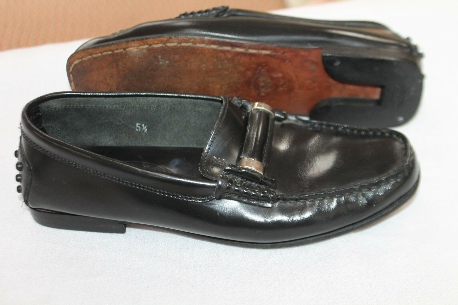 AUTHENTIC TOD'S SIZE 5 1/2 LEATHER CLASSIC 395 LOAFERS Schuhe