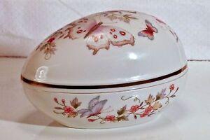 Avon-1974-Porcelain-Trinket-Box-Egg-Shape-Flowers-Butterfly-22k-Gold-Trim