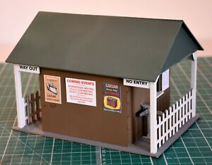 1-32-Scale-Kit-Vintage-Scalextric-Entrance-Hut-for-Scalextric-Other-Layouts