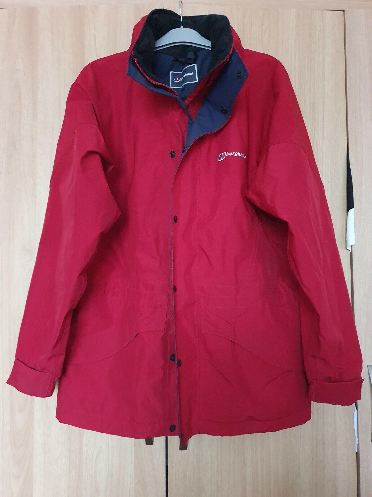 Berghaus Red Gore-tex Waterproof Jacket Size 12 Hood In Collar