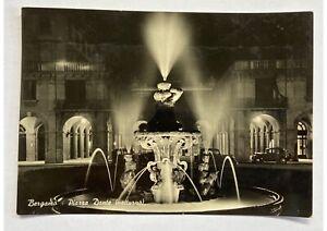 Cartolina-foto-Bergamo-Piazza-Dante-anni-50-bianco-e-nero-timbro-teatro-novita