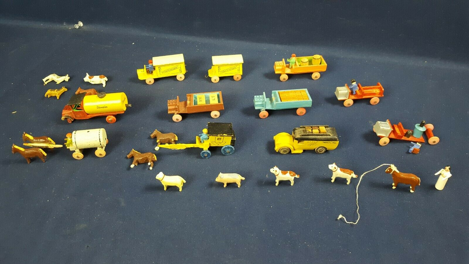Lote de 11 escalones Tallada a Mano Madera Alemán Camión de Juguete Vagón Caballo Animales Personas