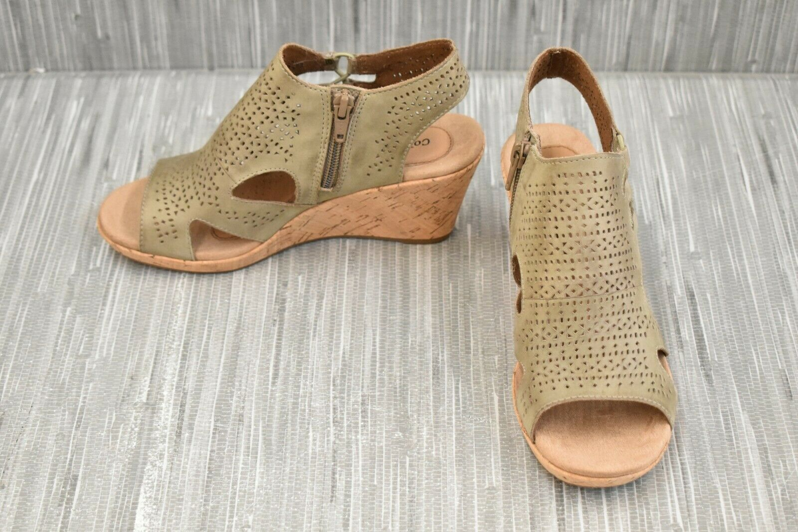 Cobb Hill Janna CH1881 Perforated Leather Booties, Women's Size 5.5M, Khaki NEW