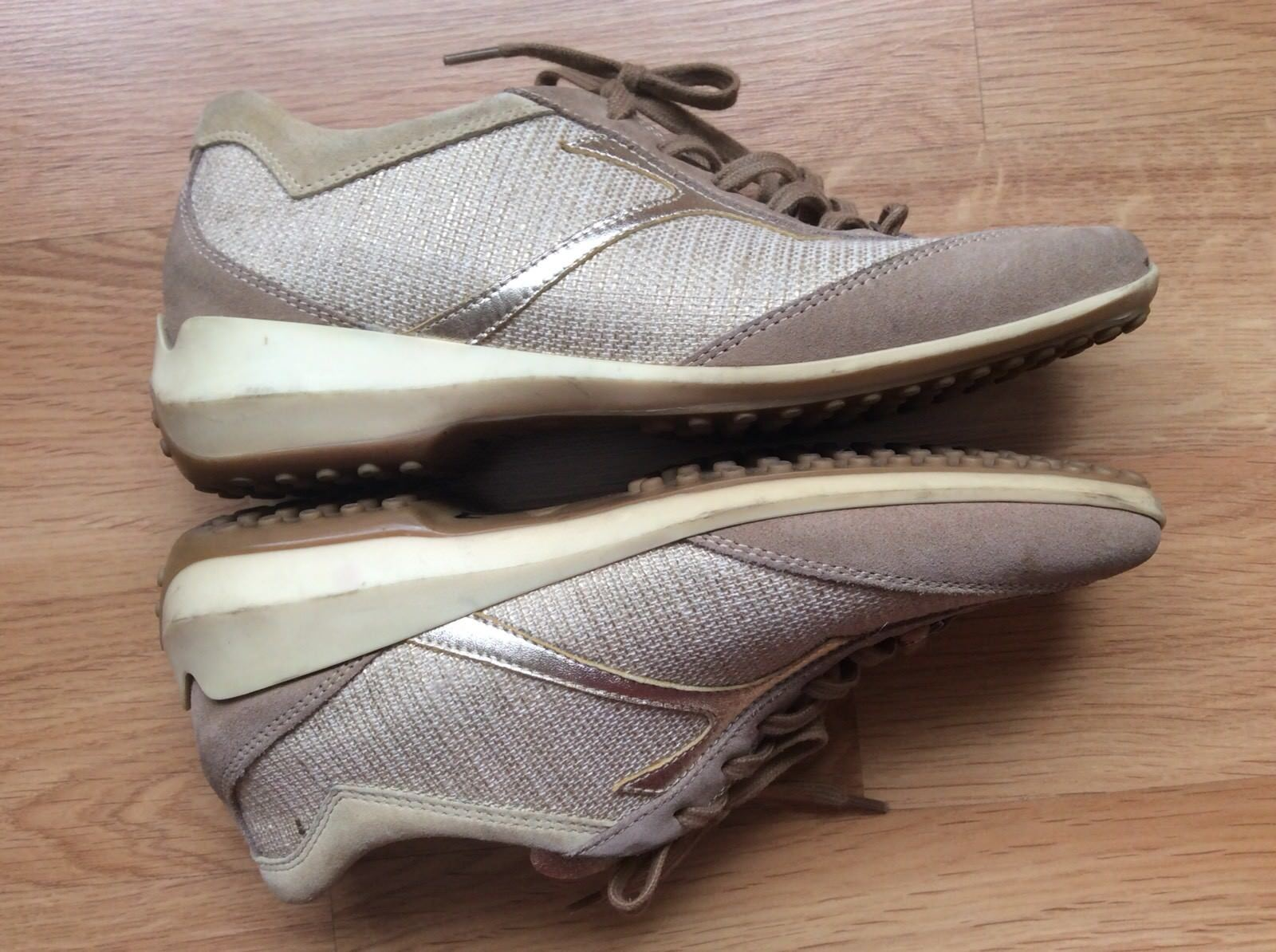 TOD'S Tan & Pewter Light Beige Suede Metallic Pewter & Leder Lace-Up Sneakers 8  949a50