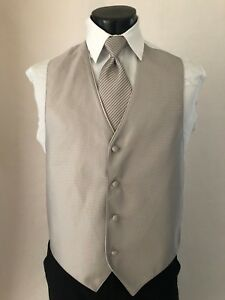 Mens-Tuxedo-Formal-Vest-amp-Bow-Tie-David-039-s-Biscotti-Wedding-TUXXMAN-Tango-Groom