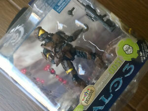 Toys R Us Exclusive Halo 3 Series 3 Brown Odst Action Figure Xbox
