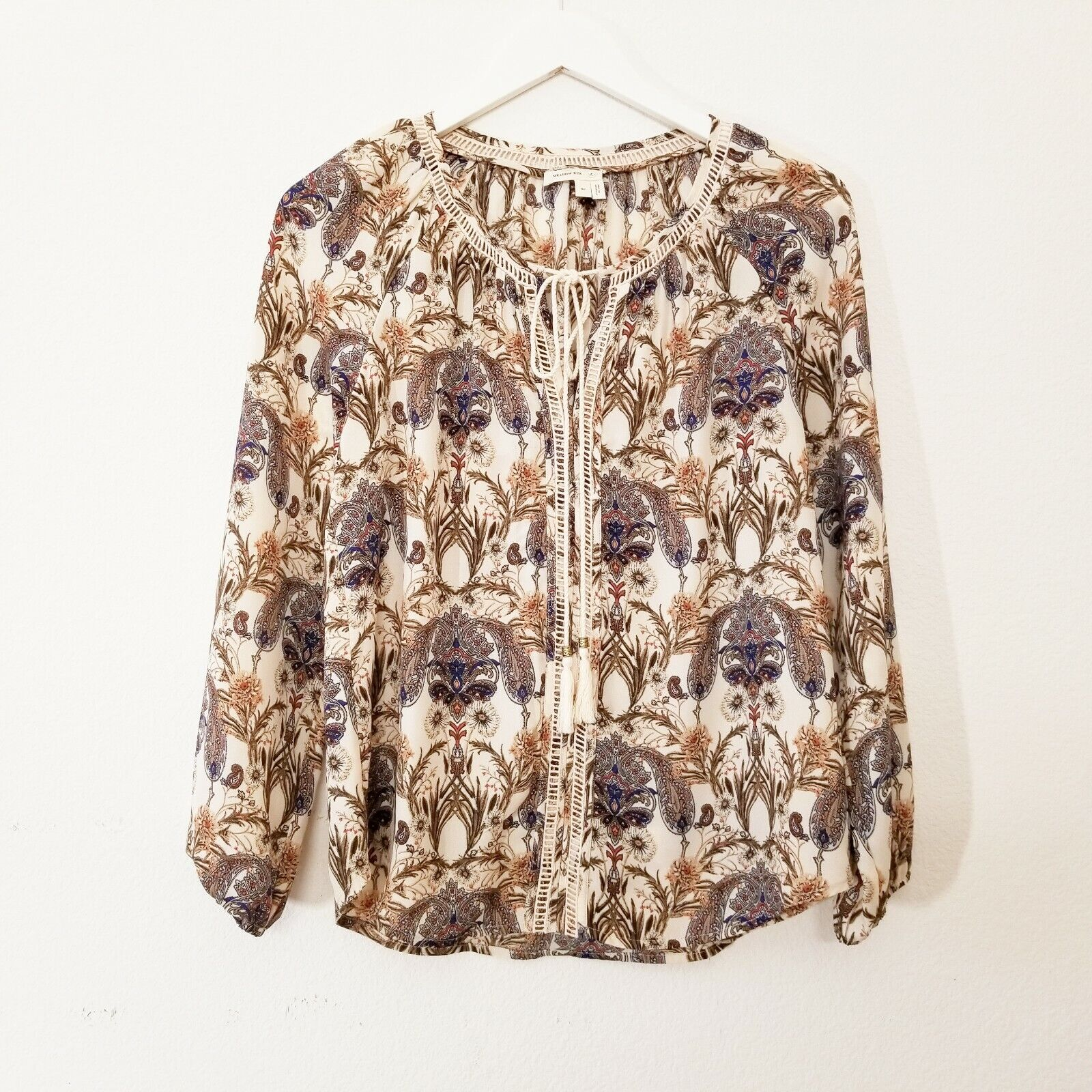 Meadow Rue Anthropologie Myrtle Peasant Blouse Cream Floral Paisley S