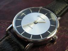 Vintage stil Uhr Design Bauhaus Stil Werkbund schlicht klar edel schwarz silber