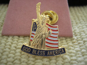 HAT-PIN-GOD-BLESS-AMERICA-U-S-FLAG-AND-STATUE-OF-LIBERTY