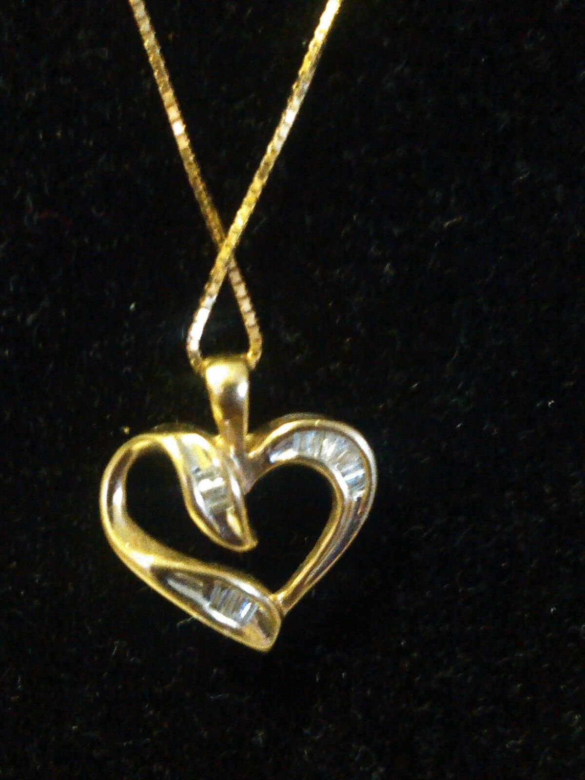 Estate 10k Yellow gold Heart and Diamond Pendant with a 14k   BOX CHAIN  18
