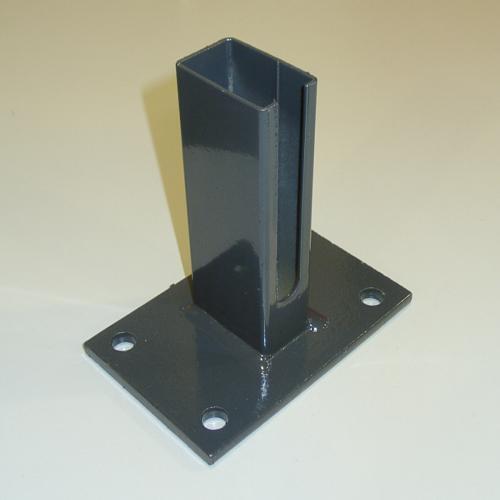 Bodenplatte für Zaunpfosten 60x40 mit Schlitz Pfostenschuh für Gittermattenzaun