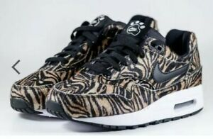 Air 1 Zoo 200 Pack Max Tiger Details Juniors 827657 Bg Nike Gs Animal About Qs Girls Trainers 9D2IWEHeYb