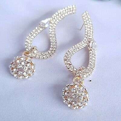 BLOGGERS FAV AMAZING MASSIVE 3'' WHITE LUCITE /& CRYSTAL LILY CLIP RUNWAY EARRING