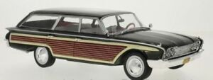 MCG 18047 18073 FORD COUNTRY SQUIRE model cars green or black & wood 1960 1:18