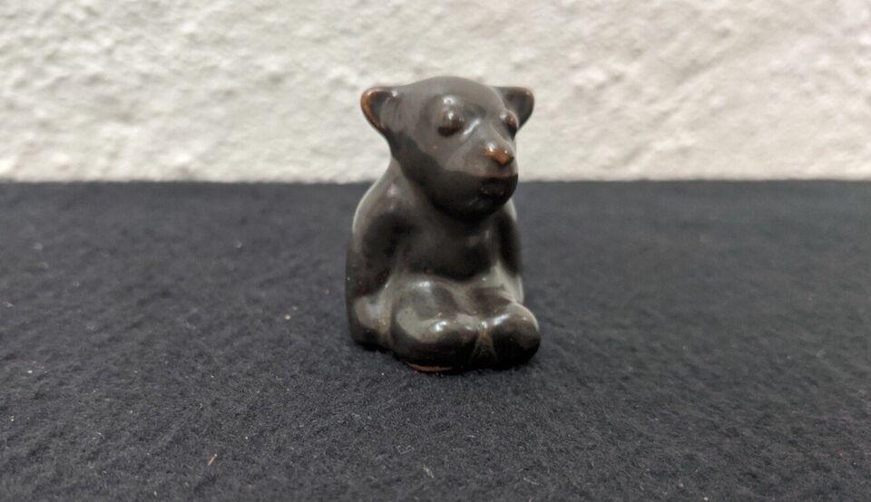 Figur af lille bjørn, L. Hjorth, Bornholm