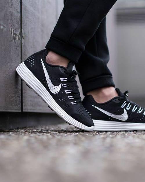 Nike Lunartempo Femme Léger Chaussures De Course Noir/Blanc 705462 001-