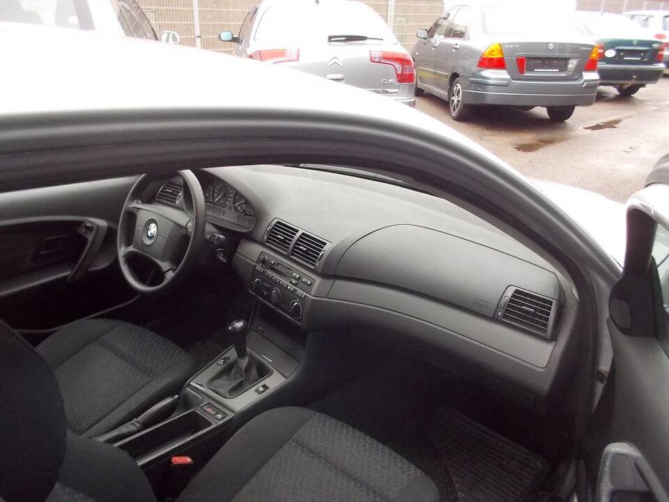 BMW 316Ti 1,8 Compact Benzin modelår 2003 km 166000 nysynet