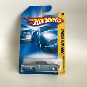 Hot Wheels Ford Galaxie 500XL 2007 New Models Series White Ford Galaxie 500XL 1:64 Scale Collectible Die Cast Metal Toy Car Model #18//36