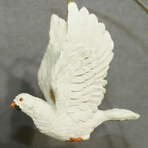 Christmas-Ornament-Ceramic-Bird-of-Peace-Dove-Flying-Wings-Up-4-034