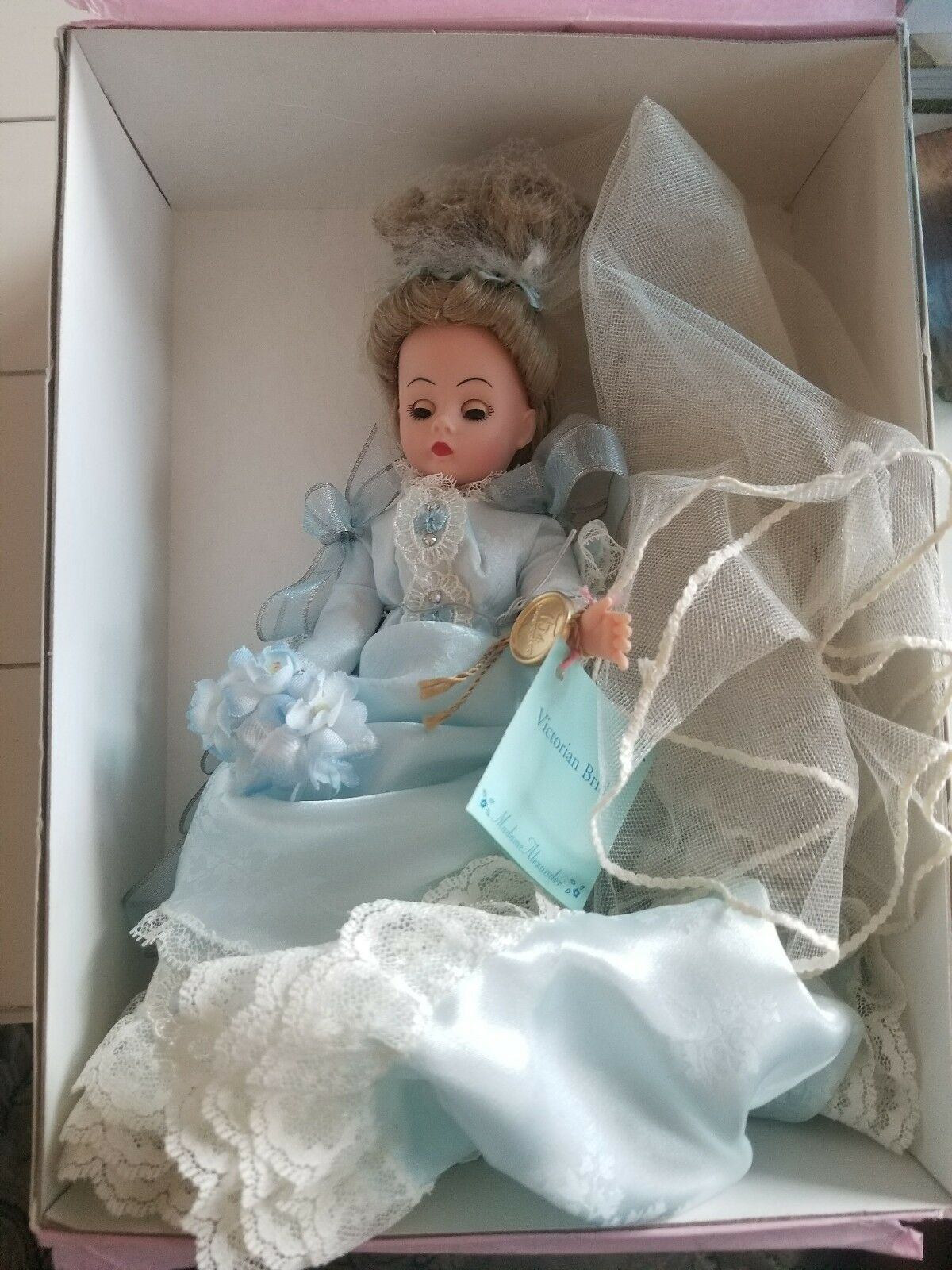 MADAME ALEXANDER Victorian Bride 22480 - Brides Through The Ages Collection