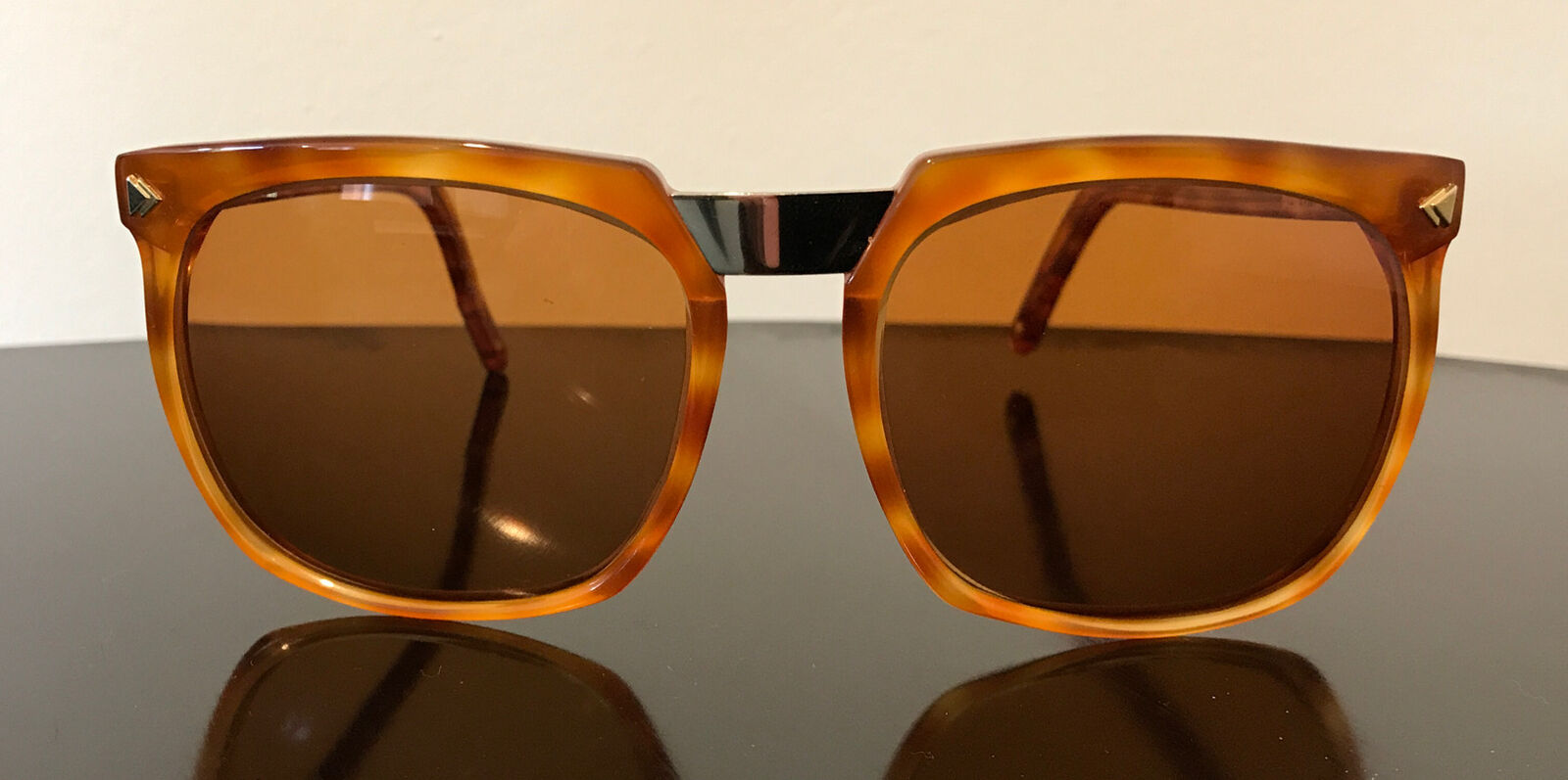Authentic Vintage Valentino Sunglasses 145 57-20 Tortoise Shell-Style