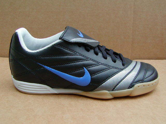 NIKE PREMIER IC SOCCER SHOES 316745-041  SIZE 6  NEW  W O BOX  NOS