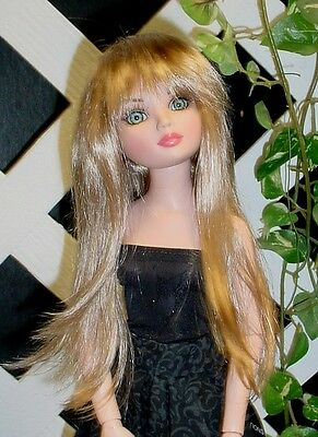 """DOLL Wig With bangs Monique Gold Adorabel /""""Pixie/"""" Size 4//5 in Blonde"""