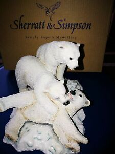 Sherratt-amp-Simpson-Polar-bears-playing-in-snow