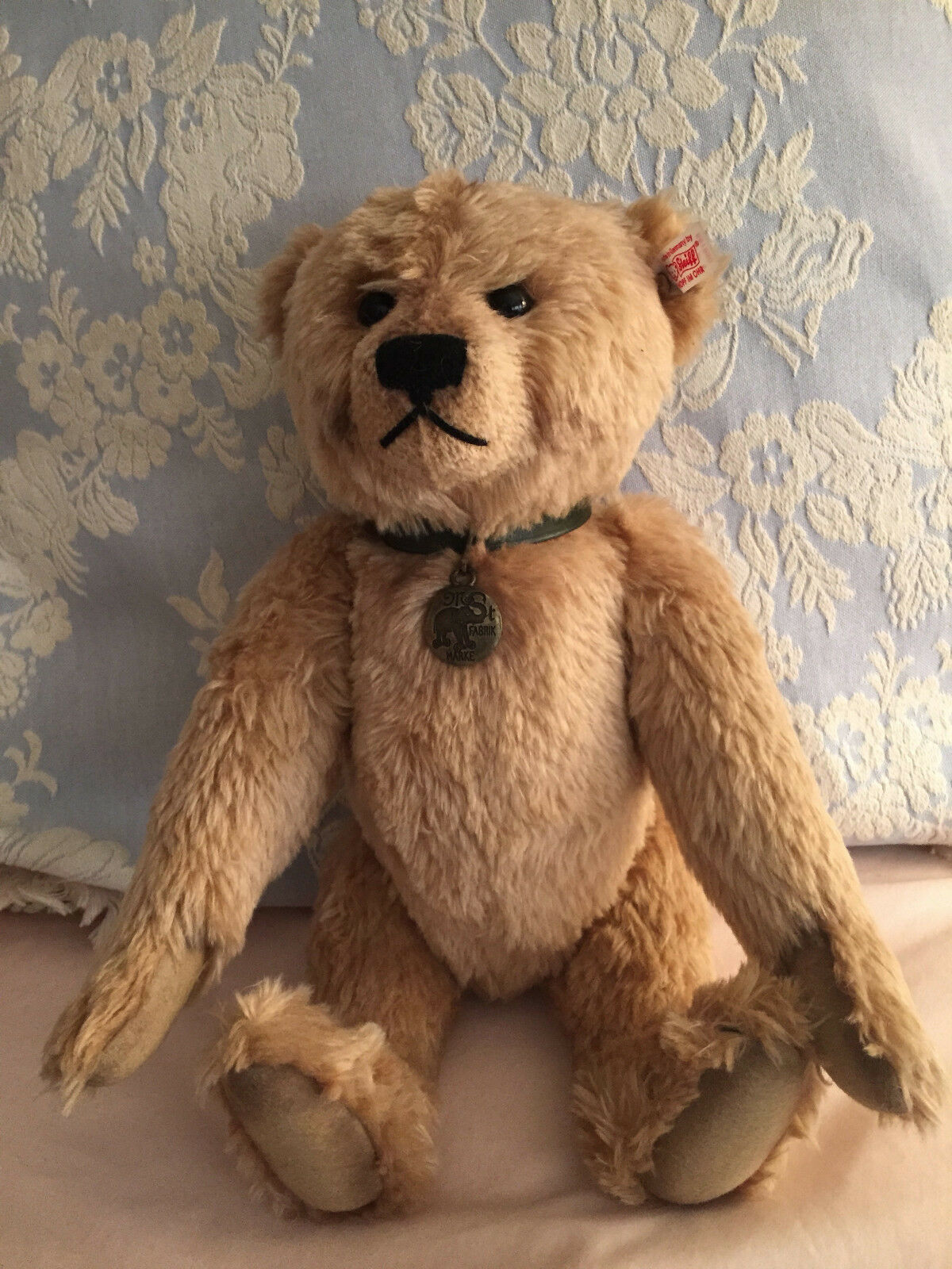 STEIFF TEDDY BEAR GATSBY, THE TRADEMARK, LED OF 1897 JOINTED W/GROWLER 00489