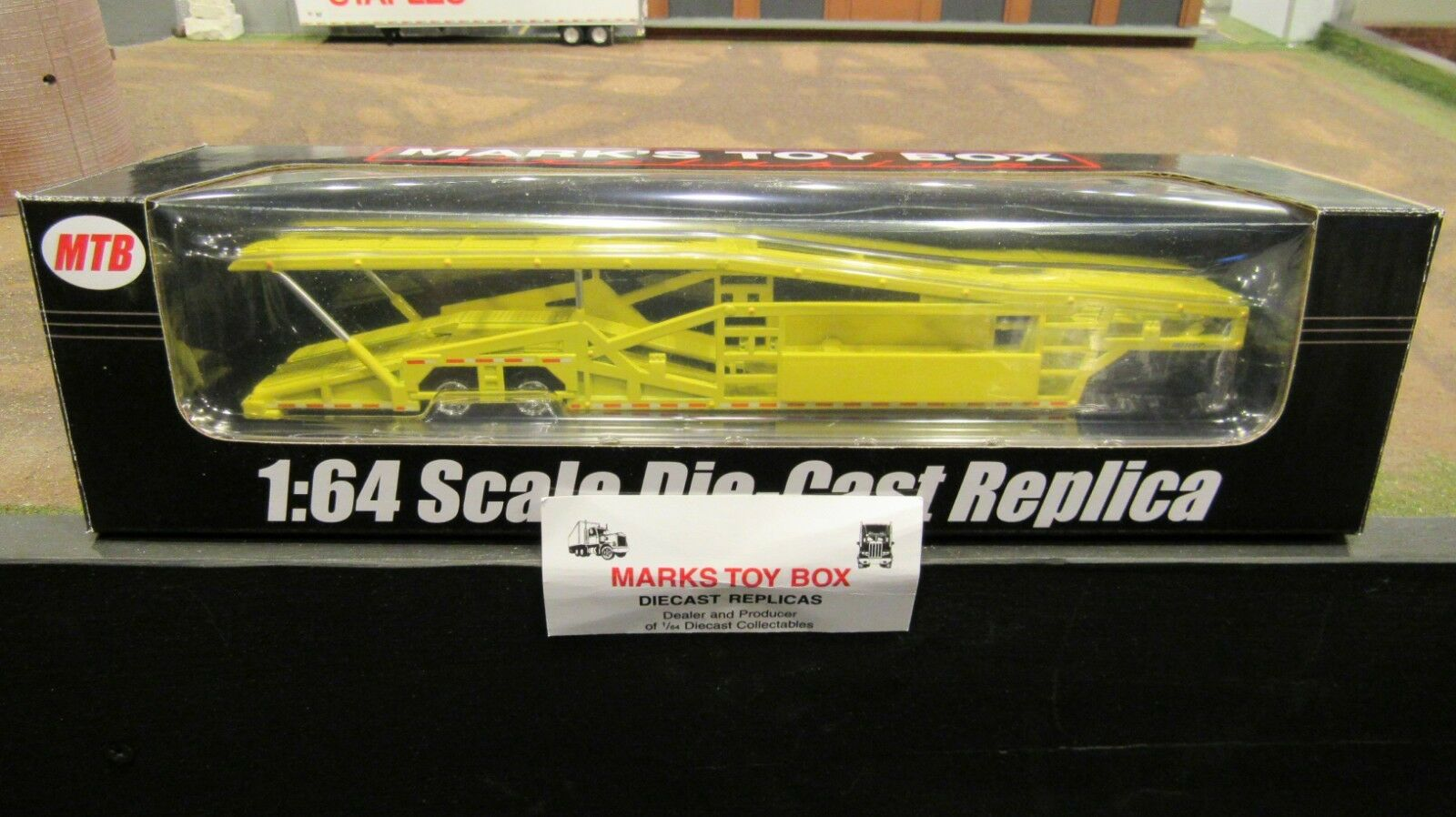 MTB-1637 YELLOW 5 CAR TRANSPORT TRANSPORTER CARRIER TRAILER 1 64 SPECCAST