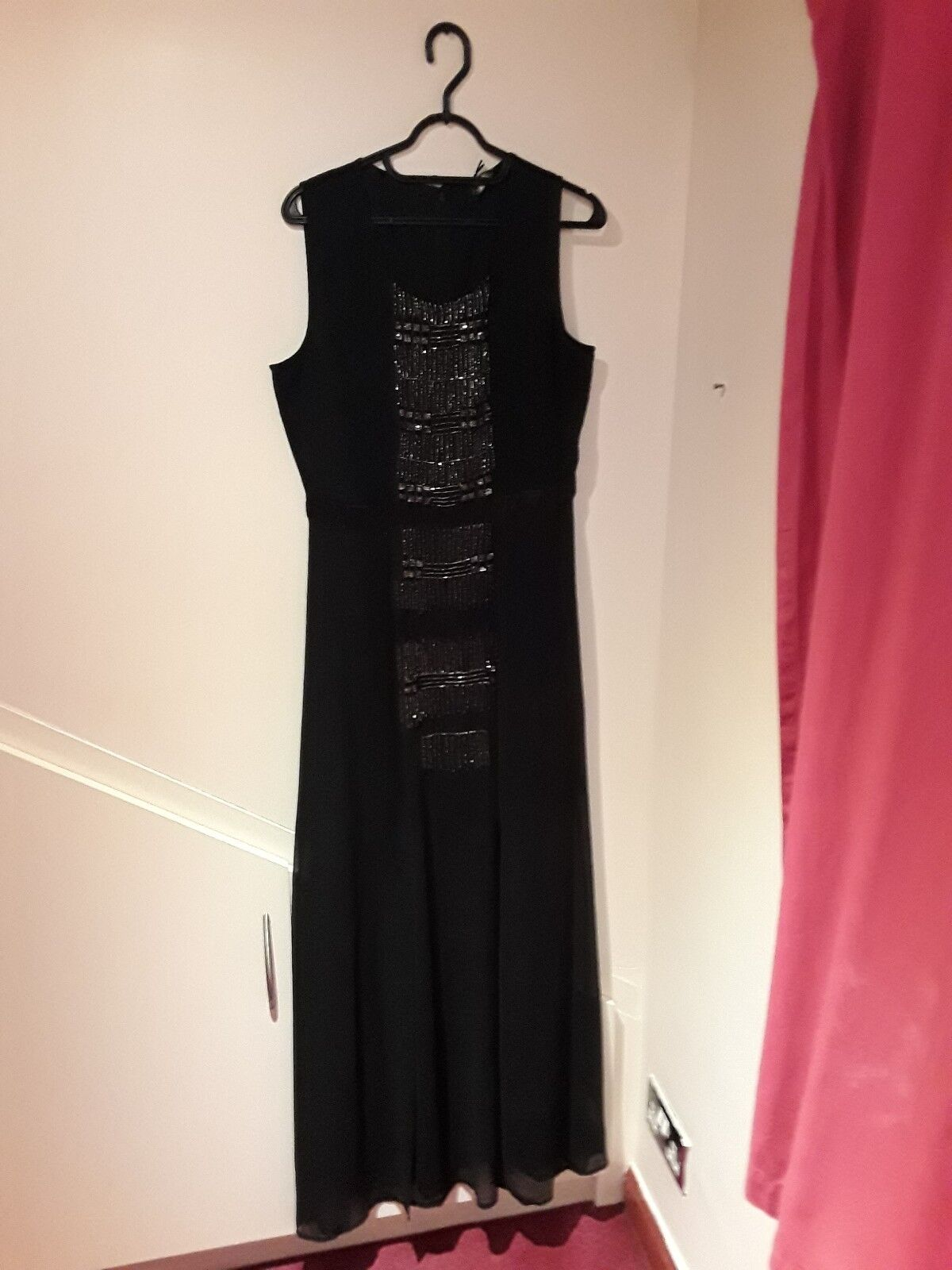 Brand New Wallis schwarz maxi sequin dress