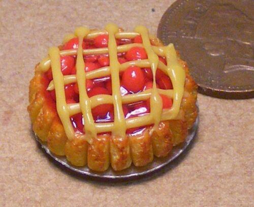 1:12 Scale Red Cherry Lattice Pie 2.2cm Tumdee Dolls House Dessert Accessory D16
