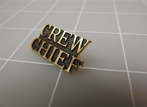 """Lapel Pin Gold Tone United States Air Force CREW CHIEF Letters 1/"""""""