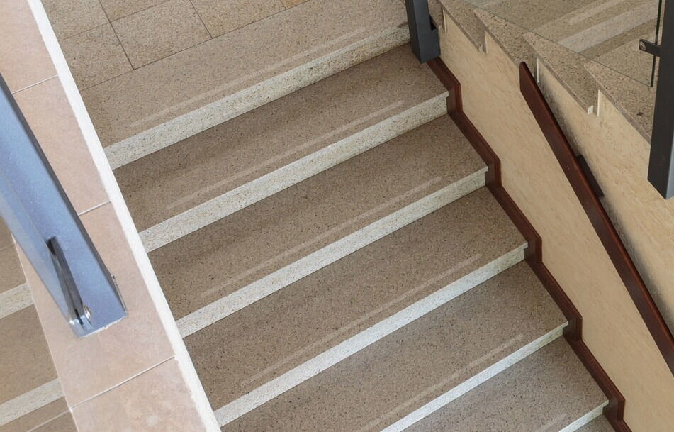 25 mm largeur antidérapant rayures 60 Escalier COMMERCIAL 60 rayures iger Grain ronde 9295b9