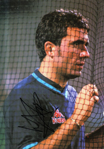 GHEORGHE HAGI HAND SIGNED 12 x 8 COLOUR MAGAZINE PICTURE