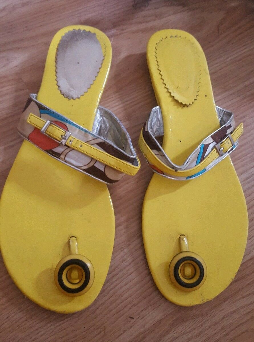 Size 7 Ladies sandals Post Toe Post sandals Yellow 74cd15