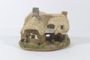 Lilliput-Lane-Ostlers-Keep-1985-cottage-miniature-handmade-United-Kingdom