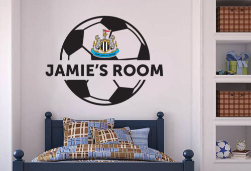 Newcastle United Football Personalised Crest /& Ball Wall Sticker Decal Mural