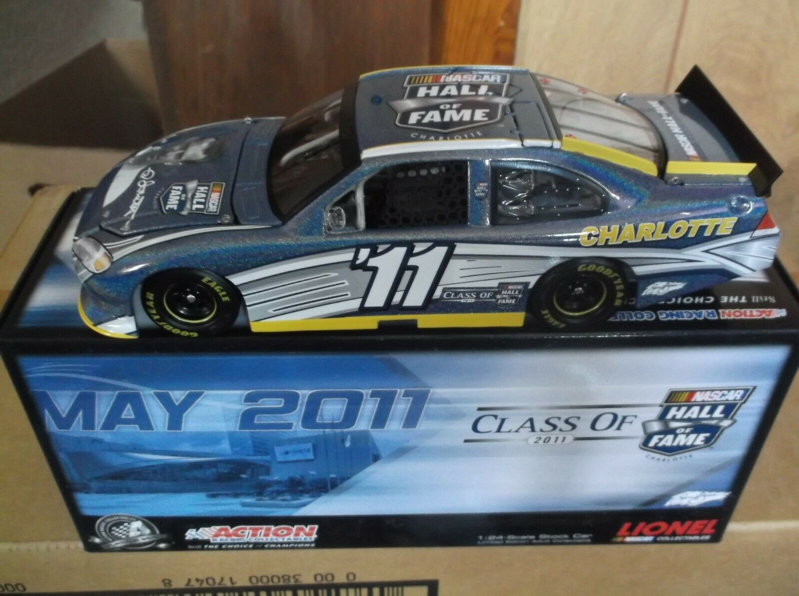 RARE 2011 Ned Jarrett Hall of Fame flashcoat Couleur 1 24TH Scale Diecast