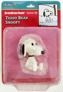 Medicom-UDF-455-Ultra-Detail-Figure-Peanuts-Series-9-Teddy-Bear-Snoopy