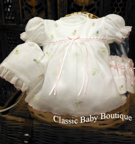 NWT Will/'beth White Baby Girls 4pc Diaper Set Newborn Size 0 Bonnet /& Booties