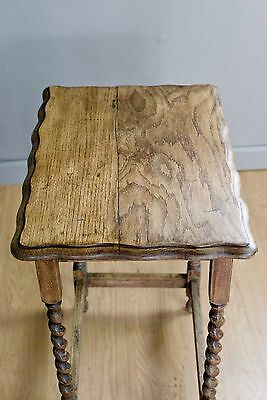 Solid Oak Side table / Occasional table on turned barleytwist legs c70 years old