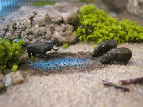 TN02//03 1:220 verschiedene Nilpferde Flusspferd Figur Spur Z