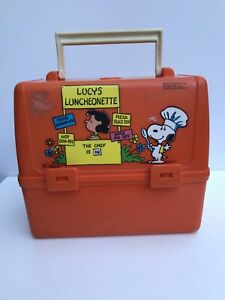 Vintage-Peanuts-Lunchbox-Lucy-Snoopy-Woodstock-King-Seeley-Orange-Plastic-Nice
