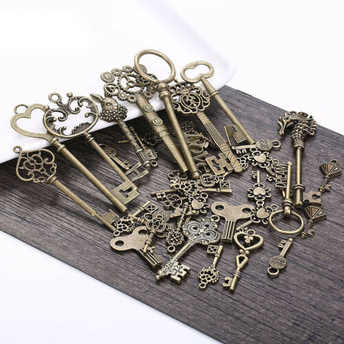 20Pcs//Lots Creative Key Pendant Necklace Hanging Old Look DIY Metal Charms Decor