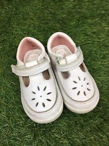 Girls UK Size 3 Infant White Leather T