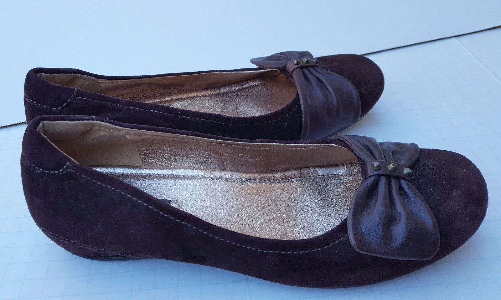 ECCO 39 Brown Suede Leather Ballet Flats Bow Studs Career Casual Day BOUILLON