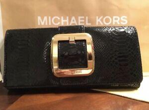michael-kors-clutch-black